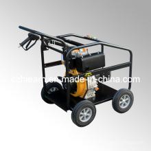 Motor diesel con lavadora de alta presión y ruedas (DHPW-2600)
