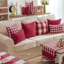 Красно-белая подушка из рипстопа
