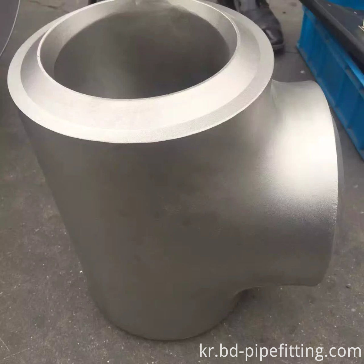 ASTM A860 WPHY 65 Butt Weld 45D Lateral Tee