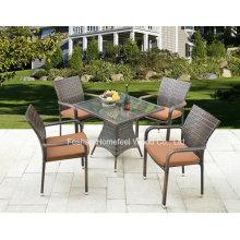 5 pedaços de conjunto de jantar de vime ao ar livre com cadeira empilhável