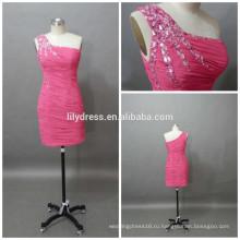 Платье Кристалл одно плечо выше колена розовый мини Коктейльные платья CD074 Плиссированные Шифоновое платье