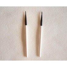 Étiquette privée White Hand Brow and Lash Brush