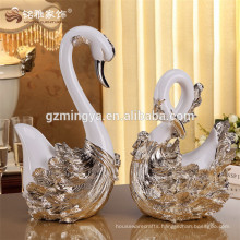 Wholesale home decoration European style design polyresin gold swan craft for hotel interior decoration