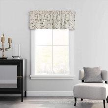 Valência de cortinas bordadas em têxteis para o lar