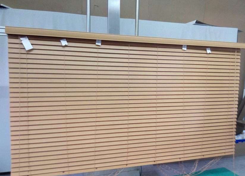 Wooden fauxwood venetian blinds