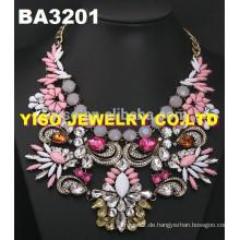 Mode und Kostüm Strass Halskette