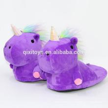 Venda quente unicórnio design plush macio animal chinelos