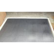 Feuille de graphite renforcée avec métal perlé