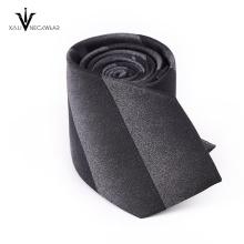 Las últimas corbatas de poliéster de negocios de diseño