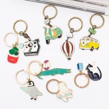 Porte-clés en métal émaillé en forme de coeur d'amour magnifique personnalisé