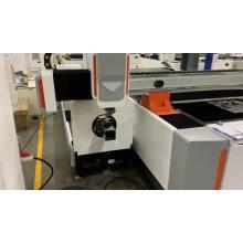 3000 watt automatic chuck and rotary CNC tube fiber laser cutting machine