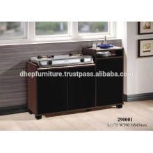 Cabinet de cuisine en bois avec jambes