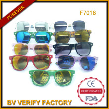 2015 Glassic Sunglasses with Colorful Wooden Arms (F7018)