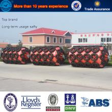 Amortisseur rempli de mousse de polyuréthane ISO garanti pour le quai à expédier et le transport maritime