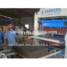 Machine de fabrication de briques de cendres volantes