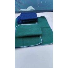 Салфетка из микрофибры для чистки автомобиля
