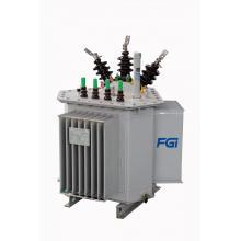 Transformador de tipo aceite con núcleo de bobina triangular