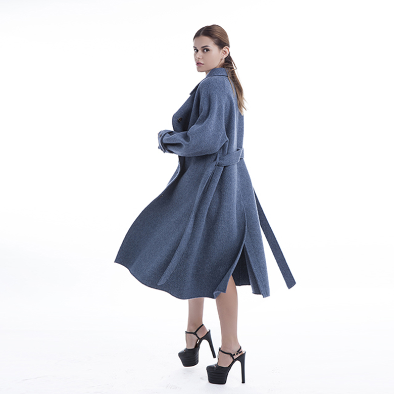 Single-breasted blue cashmere overcoat