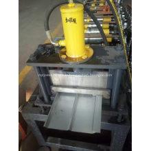 machine de formage de feuilles de panneaux de parement