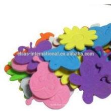 Diseño de pegatinas, flores y chinches de EVA en el jardín
