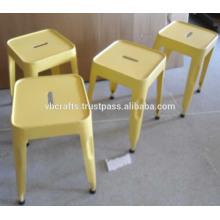 Tabouret industriel couleur jaune