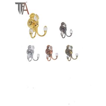 Крючки для утюга с кристаллическим материалом