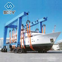 Der Boots-Jachthafen und Boots-Yard benutzen Kran, Yachefördererkranpreis Mehr Fragen, senden Sie bitte Nachricht an mich!