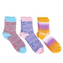 YINGYU high quality white black crew socks amazon hot selling items newest pure cotton striped socks women