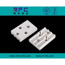 Usinage de pièces de quincaillerie CNC