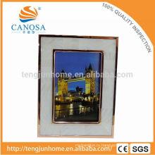 Экологически чистое рамочное рамочное рамочное фото с Golden Edge