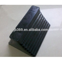 black color rubber wheel chock