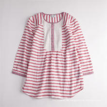 Süßes gestreiftes langärmliges atmungsaktives Sommerhemd der Mädchen