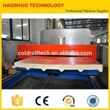 Línea de producción continua de panel sándwich de PU para paneles de techo y pared