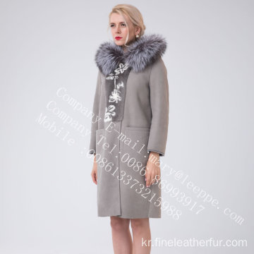 두건을 붙인 스페인 Merino Shearling Overcoat for Women