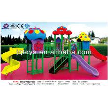 JS06802 Niño pequeño jardín de infancia al aire libre patio de juguete