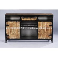 Buffet classique en métal et en bois avec porte-bouteilles