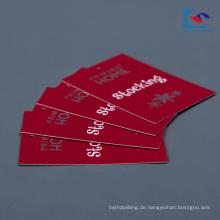 Kundenspezifische Logo rote Farbe Kunst Papier Kleidung Fall Tag Fabrik Preis