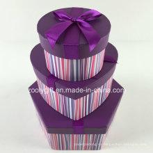 Набор шестигранных подарочных коробочек с круглым сердцем