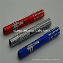 2015 nouveau stylo promotionnel avec lampe de poche, stylo à éclairer