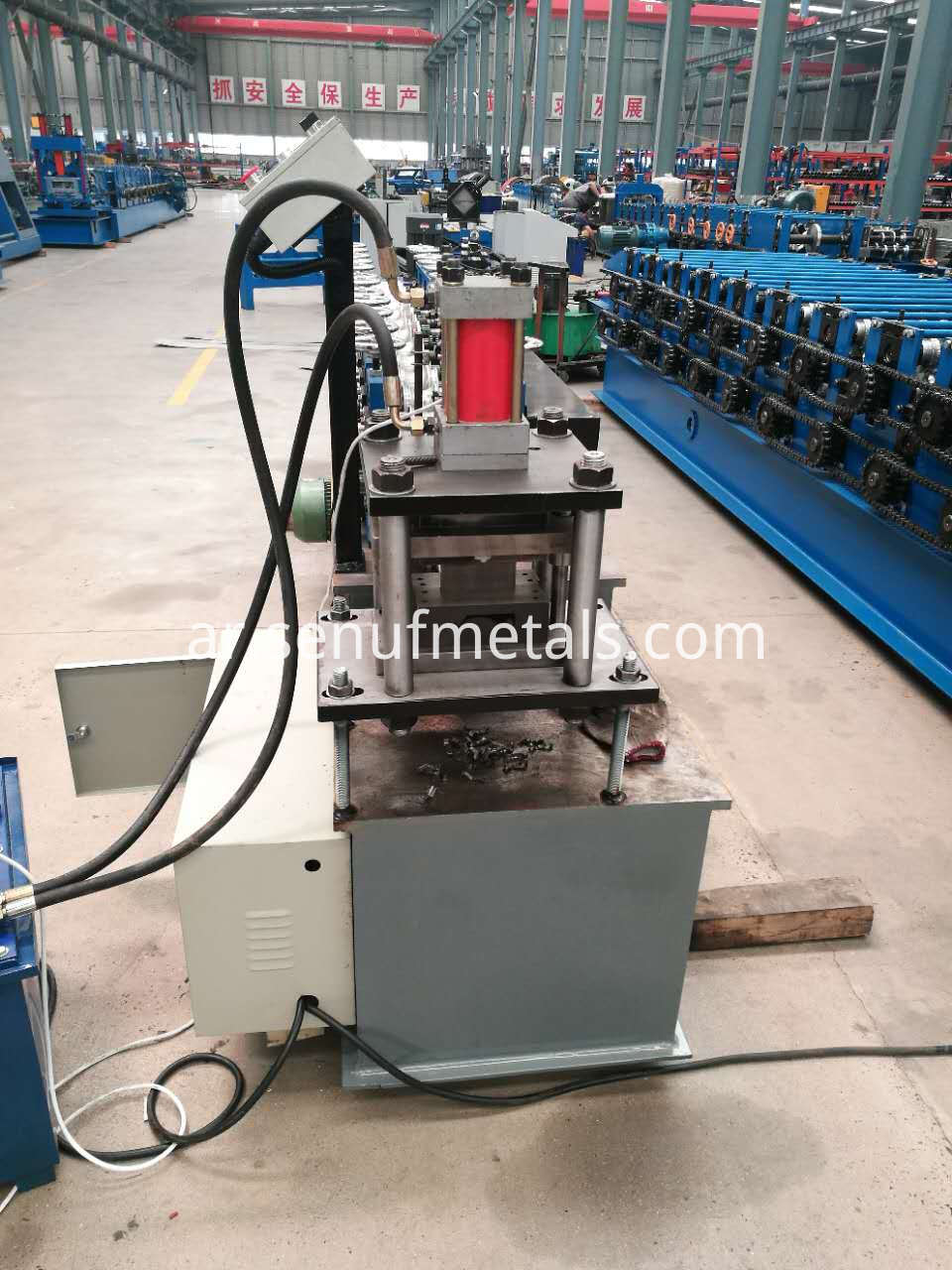 new roller shutter forming machine (8)