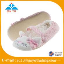 China al por mayor precio de fábrica elegante suave zapatos de interior zapato sandalia interior invierno