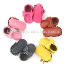 Zapatos de bebé recién nacidos del arco puro hermoso de los mocasines del bebé de los zapatos al por mayor