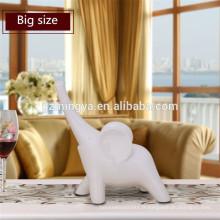 Ornement d'éléphant en résine traditionnelle avec instrument pour décoration de maison vintage