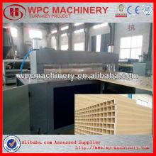 Linha de produção de painéis de madeira de plástico para portas (PVC e compósitos em pó de madeira)