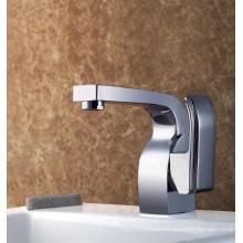 Haltbarer Messingbassin-Hahn-einzelnes Handgriff-Badezimmer-Wasser-Robinet (Q3034)