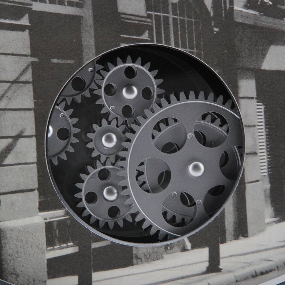 Moving Gears Clock