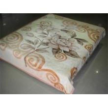 Estampado de flores de café y manta de poliéster barnizada tallada