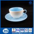 Heißer Verkauf doppelte Farbe glasierte Masse kleine Porzellan Neue Knochen China-Tee-Kaffeetasse und Untertasse eingestellt