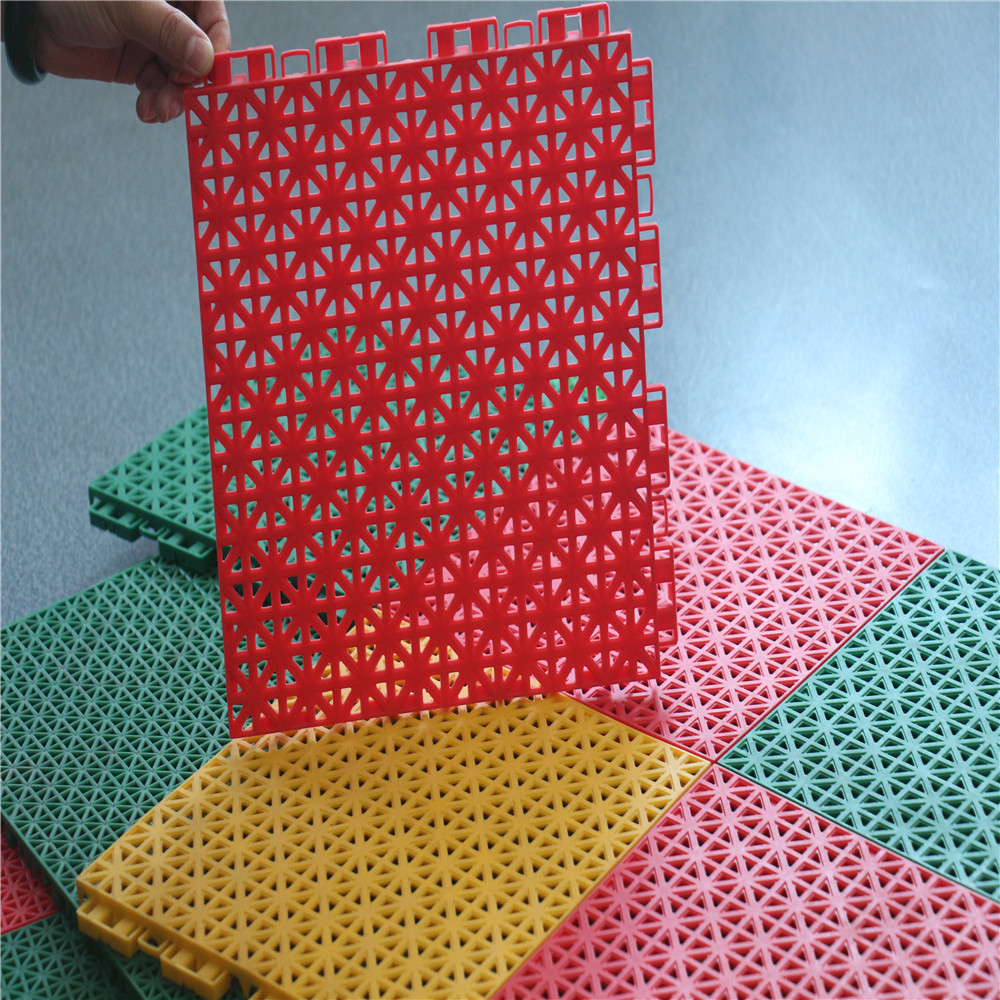 Plastic Interlocking Flooring