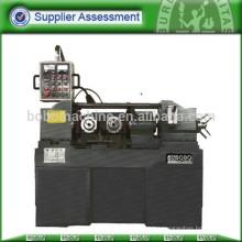 Hydraulic thread roll machine for pipe screw